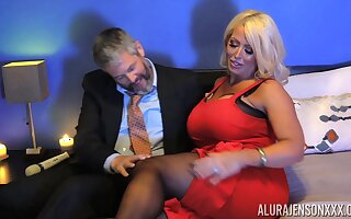 Voluptuous MILF Alura Jenson has an endless drive for mating
