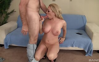 Big-chested blonde Bambi Diamond gets her cunt stuffed full