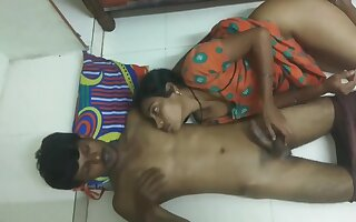 Desi Village Bhabhi Sex With Paint Wala