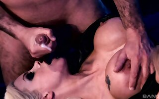 Balls deep pussy and pain in the neck fucking with Delta Lifeless & Gabriela Glazer