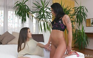 Elderly vs young lesbian porn take a MILF and low-spirited teen Yenna Blackguardly