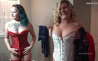 MILF in off colour lingerie gets her wet pussy licked