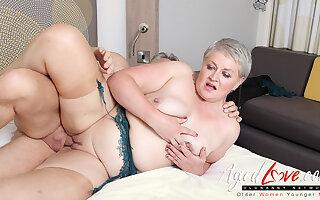 AgedLovE Hot Mature Lady Sucking Beamy Eternal Dick