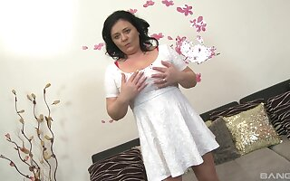 matured suits her sexual needs with the nephew's big gun