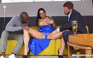 Tall Hungarian MILF Simony Diamond loves anal sex and MMF threesomes