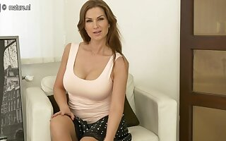 Steamy Hot Mom Playing With Herself - MatureNL