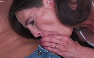 Powered Shaved Mature Sprog Fucking And Sucking Her Woman of ill repute - MatureNL