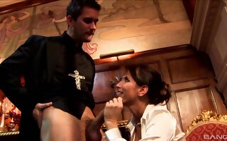 Kinky fucking between a celebrant increased by downhearted slut Lezley Zen