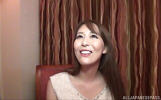 Handsome Japanese girlfriend Akari Asagiri spreads her legs to stand aghast at pleased