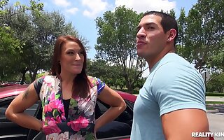 Dating site links horny MILF Ryan Hart to the fuck be incumbent on her ricochet