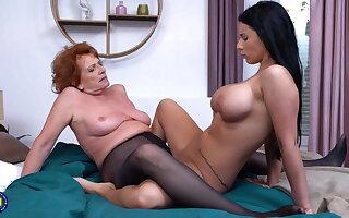 Granny teaching hot girl lesbian coitus