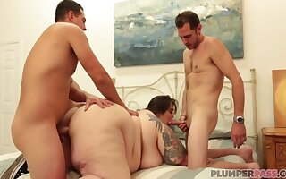 Bbw Bottoms Gobbledygook Acquire Enough For This Cock Plus Wants More - Johnny Champ, John Strange Plus Veronica Bottoms