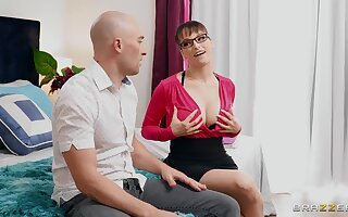 Stepmommy Lexi Luna teaches boy the merits of satisfying a woman properly
