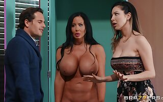 Free For All Be hung up on Sex Doll Surprise Threesome hither Tyler Nixon and Sybil Stallone