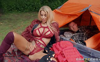 Glamour blonde MILF wide beamy boobs fucks Danny on nature