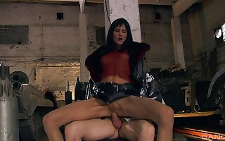 Aroused babe fits it in the ass for a complete XXX tryout
