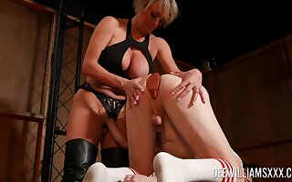 Rough ass pounding of a shemale by mature mommy Dee Williams