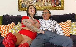 Tattooed glamour model Tallulah having sex on the floor and moaning