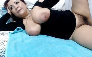 Hairy colombian milf dripping pussy cum