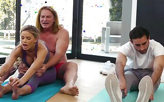 Yoga lesson drives this MILF needy for the man's energized dong