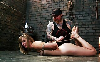Daunting slave training session for filial Mona Wales