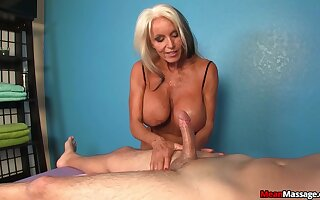 Hot mature plant the young dick like a goddess
