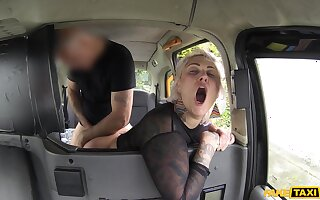 Adventurous hansom cab allude and random fuck for old slut Tallulah Joshing