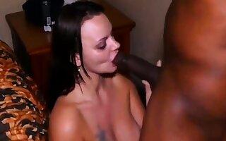 Bodacious Brunette Milf Cums Hard Be ep6