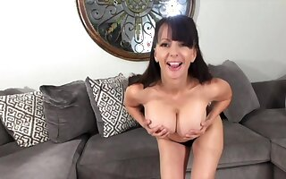 Big Knockers And Insulting Talk - MILF solo