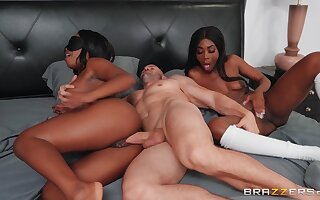 Lucky dude fucks his swart GF Harmonie Marquise and her friend