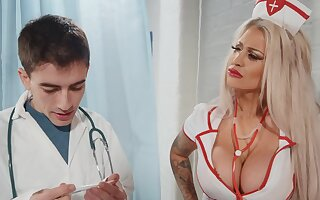 Seductive nurse bends become absent-minded fine ass for bushwa
