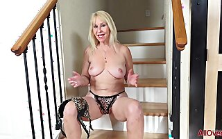 59 y.o. GILF Sandy Dig out Solo Video