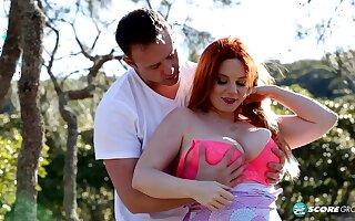 hot beamy Avalon outdoor sex video