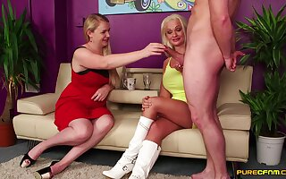 Video be incumbent on dude with a long dick getting pleasured by Cindy and Mona
