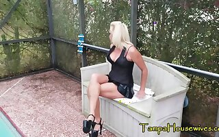 Masturbating be expeditious for Orgasms Makes Her Pee RIGHT Beside