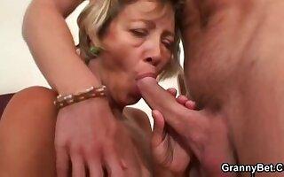 Miluse Havelova Cleaning Lady fuck plus cum load