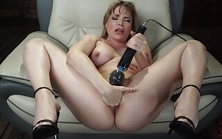 Mature toys pussy and uses have sex machine for the brush tight pest