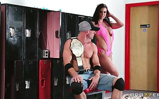 Wild fucking up the gym with cum up mouth for tanned Kendra Lust