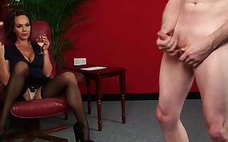 Amateur woman sits clothed and admires the guy's young cock